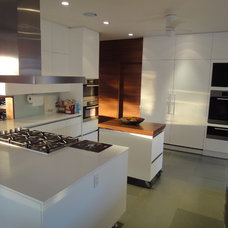 Contemporary Kitchen Cabinetry by The Kueffner Company