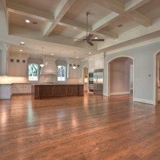 Traditional Family Room by Metropolitan Custom Homes