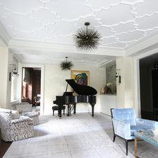 Traditional Living Room by Lynn K. Jacobson & Associates, Inc.