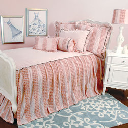 Dozen Roses Girls Room - Gorgeous, glamourous and elegant. Soft pink rose buds adorn this skirted coverlet with woven Petit Pink Gingham and stylish black and white cording. The coverlet has an attached skirt so all you need to add is pillows to complete the look.