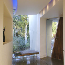 Contemporary Entry by GMK Architecture Inc