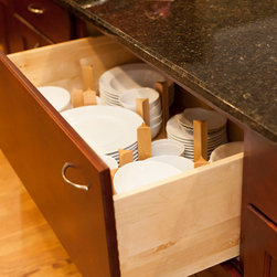 Designers Point Peg System Dish Drawer - This peg systems for deep drawers, has the ability to be customized for the size and number of dishes you want to store.