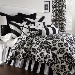 Rose Tree - Prescott 6-piece Cotton Comforter Set - Enjoy the crisp and clean look of the modern Prescott 6-piece comforter set. Made of 100-percent cotton,the comforter features a beautiful floral pattern in a black and white finish. Machine washable for easy care and repeated use.