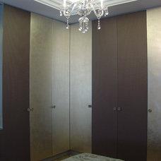 Contemporary Closet by Brag Concept