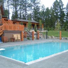 Traditional Pool by Master Pools by Dominion Gunite (Calgary) Ltd