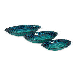 Arena Glass Bowls - Set of 3 - Like deep blue-green waters in tropical retreats, the Arena glass bowls have a texture inspired by marine life.