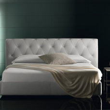 Modern Beds by DSL Furniture & DSL Property Developers