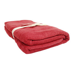 SHOO-FOO - Bamboo Bath Towel - 600 gsm, Cayenne Red, Set of 4 - A generously sized large 'bamboo bath towel' measuring 76 x 123 cm (30 x 60 in). Made of 100% organic bamboo fibers at 600 grams per square meter, this towel is versatile enough to be a daily luxury that you won't feel guilty spending on! It's softness and absorbency, along with its long lasting freshness and sustainable principles will make you feel good about converting to a bamboo-towel-loving shower-taker!