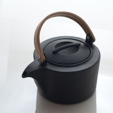 CAST IRON KETTLE - Cast Iron - Collections
