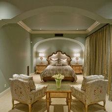Traditional  by Bess Jones Interiors