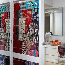 Modern  by Lisa Adams, LA Closet Design