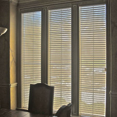 Traditional Venetian Blinds by Kite's Interiors