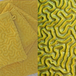 Affina - Strigosa Bath Towel Set - Diploria Strigosa, also known as Brain Coral, features a maze of twisting, turning walls and valleys that symbolize the complex labyrinth of the human brain.The massive colonies of sculptural, boulder-like reefs with their sinuous patterns are nature's underwater modern art creations.