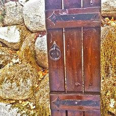 Traditional Outdoor Decor by da Vinci Details