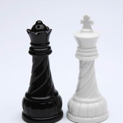 CG - 3.75 Inch White King and Black Queen Ceramic Salt and Pepper Shakers - This gorgeous 3.75 Inch White King and Black Queen Ceramic Salt and Pepper Shakers has the finest details and highest quality you will find anywhere! 3.75 Inch White King and Black Queen Ceramic Salt and Pepper Shakers is truly remarkable.