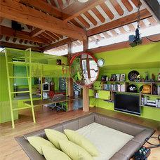 Modern Living Room by PiaoShaoRong