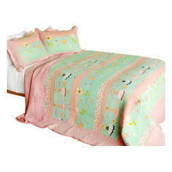 Blancho Bedding - [Love Spells] 3PC Cotton Contained Patchwork Quilt Set (Full/Queen Size) - Set includes a quilt and two quilted shams (one in twin set). Shell and fill are 100% cotton. For convenience, all bedding components are machine washable on cold in the gentle cycle and can be dried on low heat and will last you years. Intricate vermicelli quilting provides a rich surface texture. This vermicelli-quilted quilt set will refresh your bedroom decor instantly, create a cozy and inviting atmosphere and is sure to transform the look of your bedroom or guest room. Dimensions: Full/Queen quilt: 90 inches x 98 inches  Standard sham: 20 inches x 26 inches.