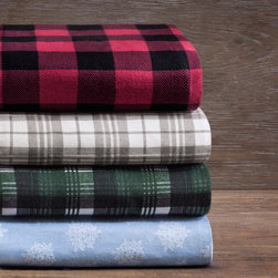 Woolrich - Woolrich Flannel 160GSM Sheet Set - The Woolrich Flannel Sheets are the ultimate sheets to keep you warm and cozy all night long. They are brushed on both sides to achieve superior softness and made from 100% cotton for easy care. The set includes 1 flat sheet, 1 fitted sheet, and 2 pillowcases. 100% cotton flannel,160 gsm, brushed both sides