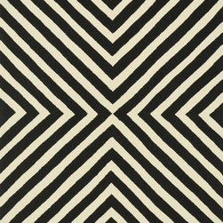 """Loloi Rugs - Loloi Rugs Palm Springs Collection - Black / Ivory, 7'-10"""" x 7'-10"""" Round - For the first time ever, world renowned designer Dann Foley brings his eye for great design and modern living to outdoorrugs. With patterns and colors as dynamic as Dann's persona, the Palm Springs Collection reflects Dann's passion forfun outdoor decorating. Palm Springs is hand hooked in China of 100% polypropylene that's specially treated to befade-resistant in spite of regular sunshine or rain."""