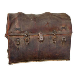 Used Vintage Gold Rush Curved Top Leather Trunk - What a gem!    Gold Rush Curved Top Leather Trunk is a beautiful vintage piece of history.  Design note - there is a new rush for Trunks , as they seem to be a new gems of home decor. This piece has a few storage compartments and painted details.