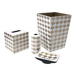 "Belle & June - Shells Coffee/White Oval Soap Dish - Dimensions Soap Dish: 6"" x 4"""