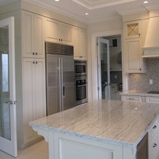 Traditional Kitchen by Helen Hamilton Design Inc.