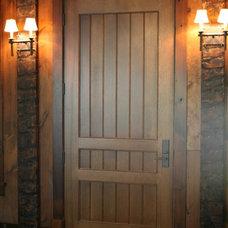 Craftsman Front Doors by Muskoka Custom Carpentry ltd.