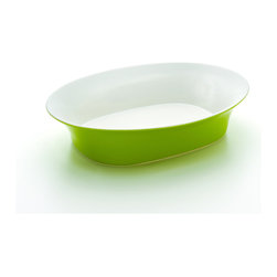 Rachael Ray - Rachael Ray Round & Square Green 14-Inch Oval Serving Bowl - Entertaining is more fun when you have tools that make it effortless and hassle-free, like this Rachael Ray serving bowl. This oval serving bowl is roomy enough for roasted squash soup or soba noodle salad and can go right from the oven to the table.
