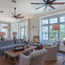 Beach Style  by Emerald Coast Real Estate Photography