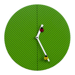 Progetti - Time2Bugs Green Wall Clock - Round, discreet, colorful and fun, this is Time2bugs, the wall clock that brings joy to children's rooms. On the dial is a design of thin black lines that recalls the veins of a leaf, on which two lady bugs, one yellow and one red lie and move. The structure is made of wood. Battery quartz movement.