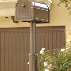 Avalon Post Mount - The Avalon™ combines classic styling and colors using high quality materials and superb construction. Identical in size to our Coronado and Bellevue, the Avalon is made with a galvanized steel body and contrasting aluminum accents individually powder coated before construction for better finish and greater durability.  Packaged to meet-off-the shelf needs of today's consumer, the Avalon fits a standard 4x4  post.
