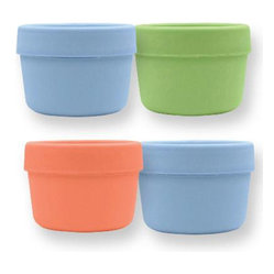 Green Sprouts - Green Sprouts Snack Cups - Those fishy crackers and cheerios get crushed when you pack them in plastic bags. Use these nifty cups to carry snacks in your purse or to send them to school in your child's lunch box. The biodegradable plastic is perfect for saving the animal crackers and the environment.