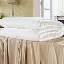 All Season Silk Duvet &Comforter - CLICK BUYWanting to give your beloved one a big surprise? Our all season silk comforter with silk shell will give you a hand which is made of 100 pure mulberry silk floss. He will give you a warm hug for your attention.