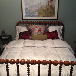 Custom Pillows - Accent Pillows - At Abda, make the pillow shams, accent throw pillows, duvet covers, comforters, coverlets and bed skirts…even custom fabric headboards in a variety of styles, sizes and shapes.  We also make draperies, roman shades, valances or cornices to coordinate.  If you have an existing piece of furniture, we also do upholstery. The possibilities are endless when you go custom. If you're not sure where to start, no worries because we have design specialists that can help you create the bedroom you've always dreamed of.