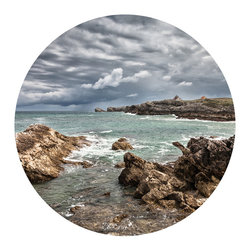 WallsNeedLove - Rocky Beach Circle Wall Decal - This beach conjures images of the eastern coast, warm cable knit sweaters, a mug of clam chowder, a hot cup of coffee. It makes us ready to hop up and run to the closest coastal city and hope that it's fall by the time we get there.