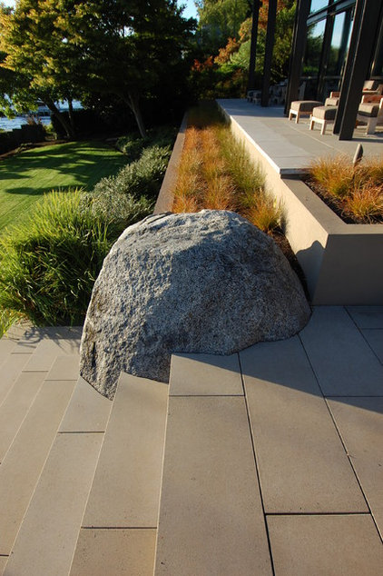 Modern Patio by McClellan Architects