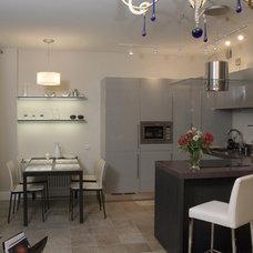 Contemporary Kitchen by Interior Design Studio Senart