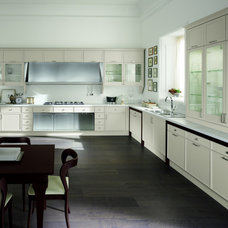 Traditional Kitchen Cabinets by Aster Cucine