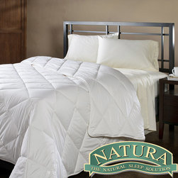 Natura World - Natura Wash 'N Snuggle Washable Wool King-size Comforter - Snuggle up under Natura's Wash n' Snuggle king-sized washable wool comforter for a warm and cozy night's sleep. Stay warm with pure virgin wool covered with fresh cotton sateen to create the perfect combination for the ideal comforter.