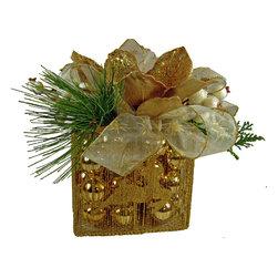 TableCenterpieces.net - Faux Gold Christmas Centerpiece - Details on this Christmas Centerpiece