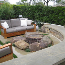 Modern  by Jeffrey Gordon Smith Landscape Architecture