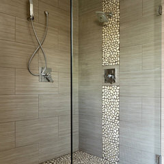 modern bathroom by Texun Builders