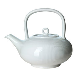 iittala Swedish Grace Teapot, Snow, 1½ Quarts - A design classic in six colours. This tableware still evokes the same emotions as when it was unveiled at the Stockholm Exhibition in 1930. Louise Adelborg succeeded in conveying the sensation of ears of wheat swaying in the summer breeze.