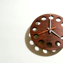 modern clocks by wuda