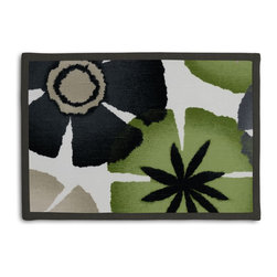 Gray & Green Giant Ombre Botanical Tailored Placemat Set - Class up your table's act with a set of Tailored Placemats finished with a contemporary contrast border. So pretty you'll want to leave them out well beyond dinner time! We love it in this ombre gray & green giant citrus floral for a modern, abstract accent to your decor.