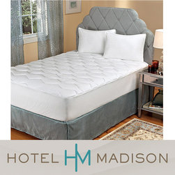 Hotel Madison - Hotel Madison Comfort Luxe Twin/ Full-size Mattress Topper - This twin-size cotton mattress topper is filled with 26-ounces of polyester fill and boasts a 230-thread count for the ultimate in sleeping comfort. This design has a 22-inch deep pocket that fits most beds. This item is machine washable.