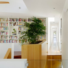Modern Hall by CCS ARCHITECTURE