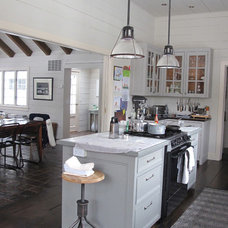 Farmhouse  Kitchen of the Week: Farmhouse Style, Modern Amenities