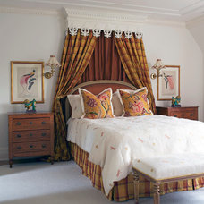 Traditional Bedroom by Leona Mozes Photography