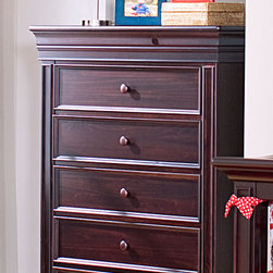 Legendary 5-Drawer Chest - •Classic design with thick posts